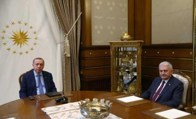 Erdoğan, Yıldırım ve parti kurmaylarıyla bir araya geldi