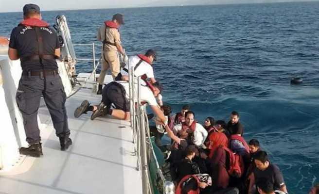 Botları arızalandı: Sahil Güvenlik ekipleri kurtardı