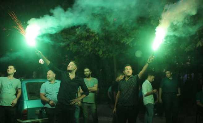 Taş ocağının kapatılmasını kutladılar