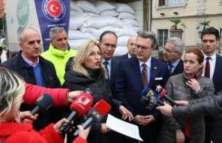TİKA'dan Arnavutluk'taki selzedelere yardım