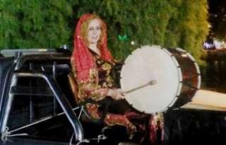 Ramazan davuluna hanımeli değdi