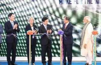 Dünyanın en büyük telefon fabrikası Hindistan'da açıldı