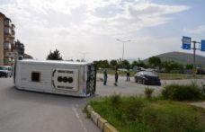 Öğrenci servisi ile otomobil çarpıştı: 7 yaralı