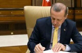 Cumhurbaşkanı Erdoğan'dan iki üniversiteye rektör...