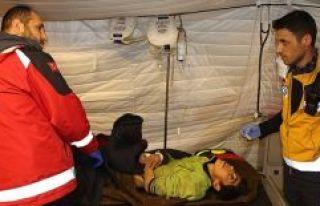 Ölüme terk edilen engelli Afrinli kadını Türk...