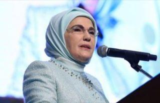 Emine Erdoğan'dan 'koruyucu aile' açıklaması