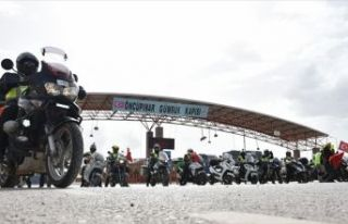 Motosiklet tutkunlarından Zeytin Dalı Harekatı'na...