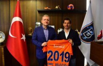 Emre Belözoğlu 1 yıl daha Başakşehir'de