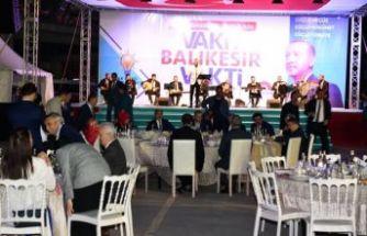 Erdoğan Balıkesir'de binlerce kişiyle iftar yaptı