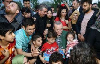 Erdoğan Zeytinburnu sahilde vatandaşlarla sohbet etti