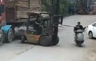 Forklift aniden dönünce...